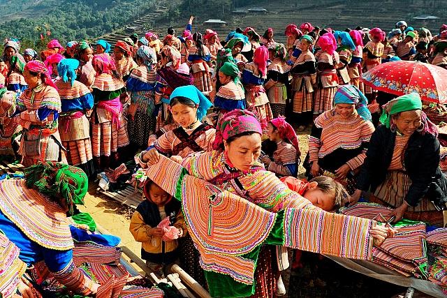Chợ phiên là một nét đẹp văn hóa vùng miền núi phía Bắc
