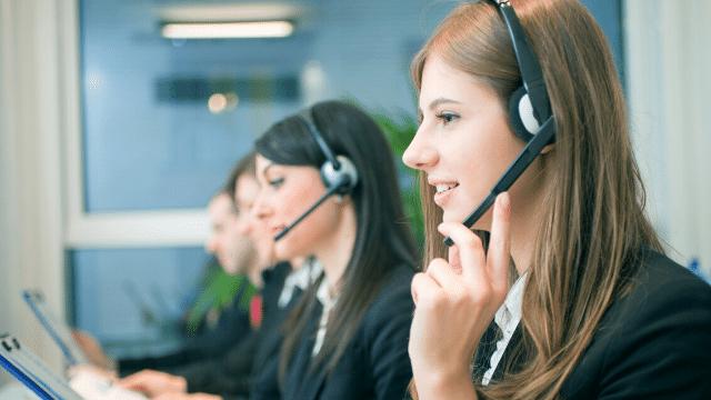 ội ngũ nhân viên chăm sóc khách hàng sẵn sàng phục vụ bạn miễn phí.
