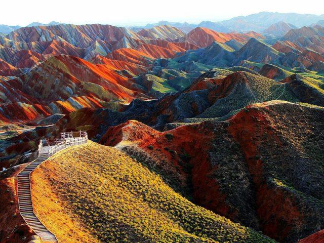 Khám phá thiên nhiên hùng vĩ tại Trung Quốc