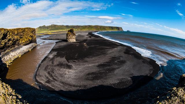những bức ảnh tuyệt vời của bãi biển cát đen ở Iceland