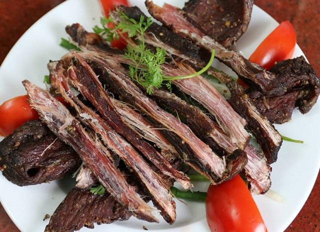 Món thịt trâu gác bếp