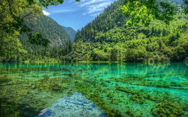 Hồ Lugu yên tĩnh và bình lặng cảm giác rời khỏi nơi trần tục.