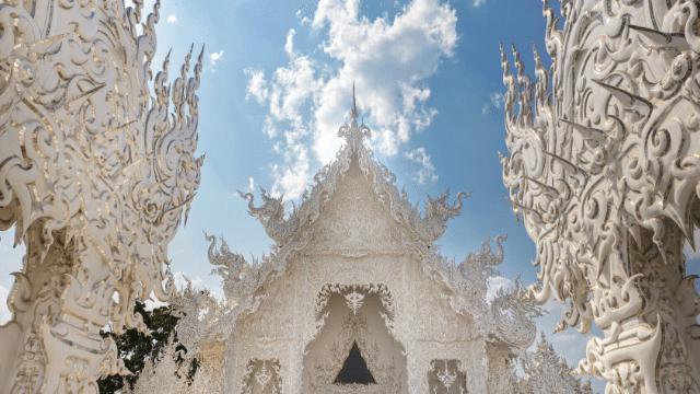 Chùa trắng là một trong ba ngôi chùa đẹp bậc nhất ở Thái Lan
