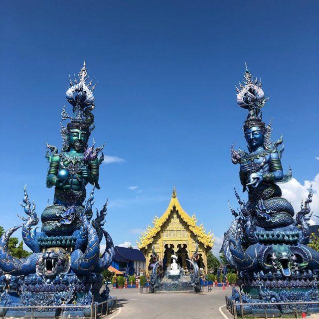 Ngồi chùa xanh ở Thái Lan