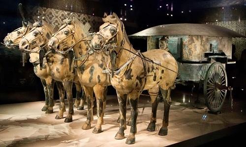 Những xe ngựa có kích thước tỷ lệ như thật trong lăng mộ của Tần Thủy Hoàng