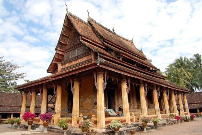Chùa Wat Xayaphoum - du lịch Lào Campuchia (Ảnh: ST)